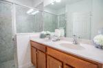 6 master bathroom (1)